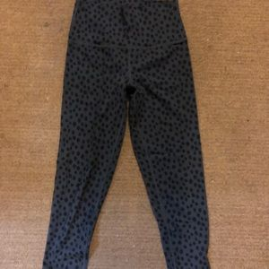 aerie cropped black and gray leggings